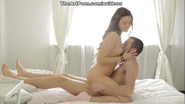 Chaturbat jovem maliciosa entregando a buceta para o homem meter gostoso nela