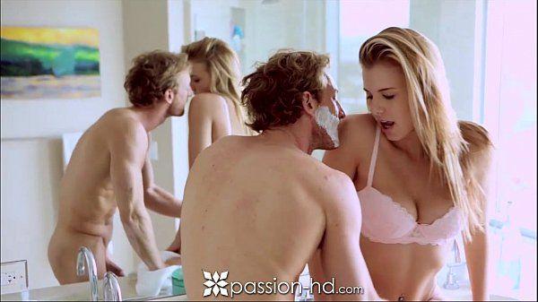 Transando fazendo sexo linda loirinha