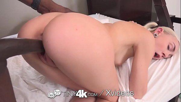 Pornô mulher pelada dando de quatro para dotado